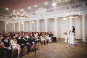 Esinaine kõnet pidamas 95. aastapäeva aktusel (kevad 2019) Maaris Puust