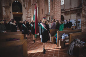 Lipuvalve 95. aastapäeva jumalateenistusel (kevad 2019) Maaris Puust